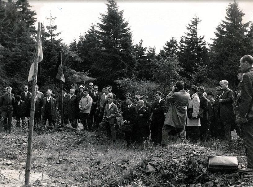 Rennsteiggarten Oberhof, 50 Jahre Jubiläums-Ausstellung Grundsteinlegung